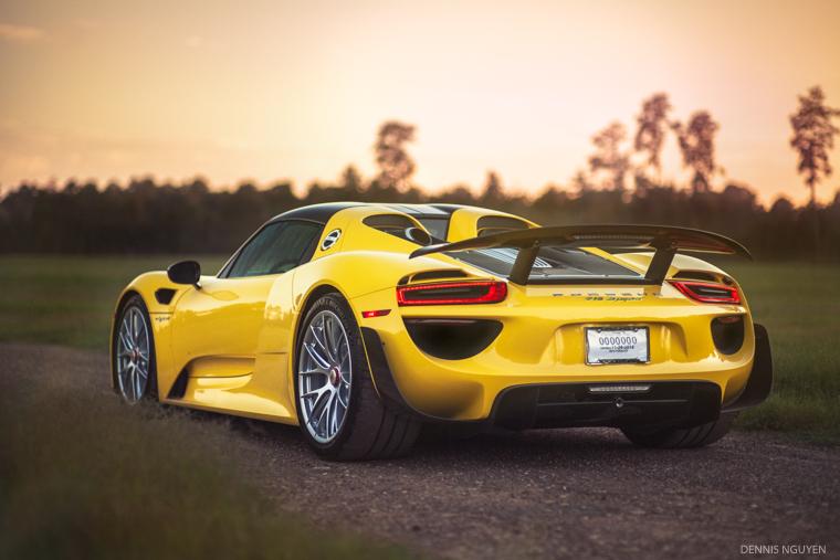 Porsche_918-2