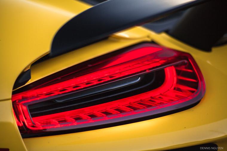 Porsche_918-7